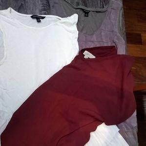 3 women's sleeveless blouse Bundle